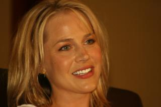 Julie_Benz.jpg by Freebase